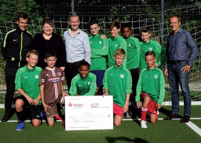Haspa Sponsort Wettkampftrikots Fussball Harburg
