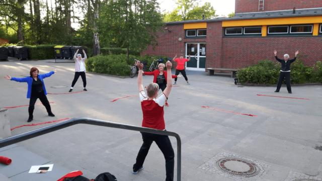 Seniorengymnastik Harburg Marmstorf Schule Im Freien