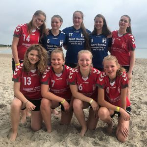 SG Harburg B-Mädels Beach Gruppenbild